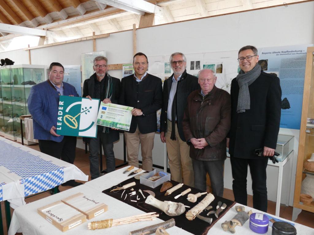 """68.000 EUR für LEADER-Projekt """"Prähistorische Siedlung Pestenacker"""" bewilligt"""